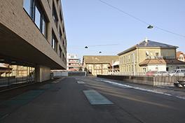 VonRoll/Gebäude/Aussenansicht/Campus/Vorplatz